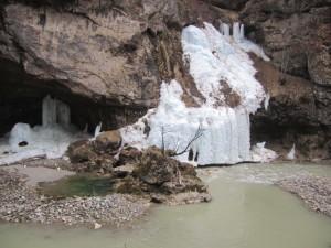 Лед и холод в Черекском ущелье